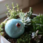 Vaso scultura in ceramica Melagrana+ turchese/rosso