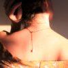 immagine di collana marina indossata retro